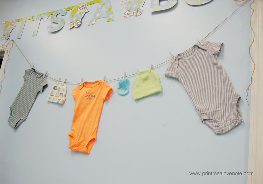 Baby-Clothes-Garland!